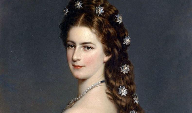 Үлгэрийн гүнж мэт амьдралыг туулсан Австрийн Сисси хатан хааны түүх