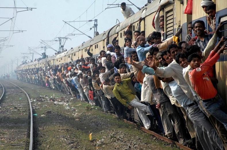 """""""Сайн бариарай!"""" - Энэтхэг дэх галт тэргийн аялал хэрхэн өнгөрдөг вэ?"""