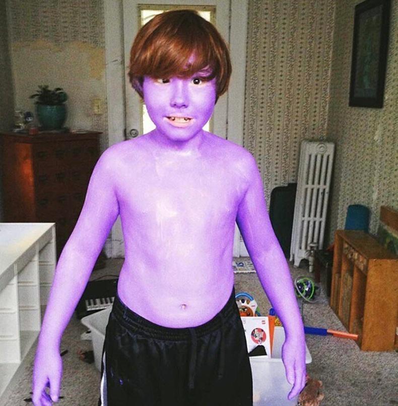 Гэртээ иртэл хүүг маань дүү нь ингэж буджээ