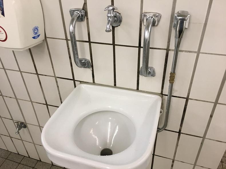 """Германд """"Октоберфест""""-ийн бааруудын 00-д бөөлжих зориулалттай угаалтуур бий"""
