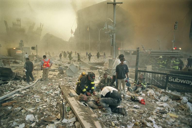 9-р сарын 11-нд нийт 343 гал сөнөөгч амиа алдсан юм