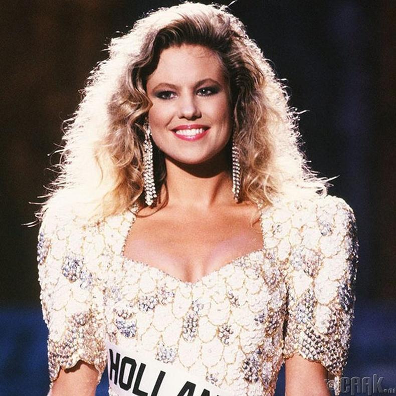 """""""Miss Universe-1989""""-ын ялагч: Нидерландийн гоо бүсгүй Анжела Виссер, 22 настай, 175 см өндөр."""