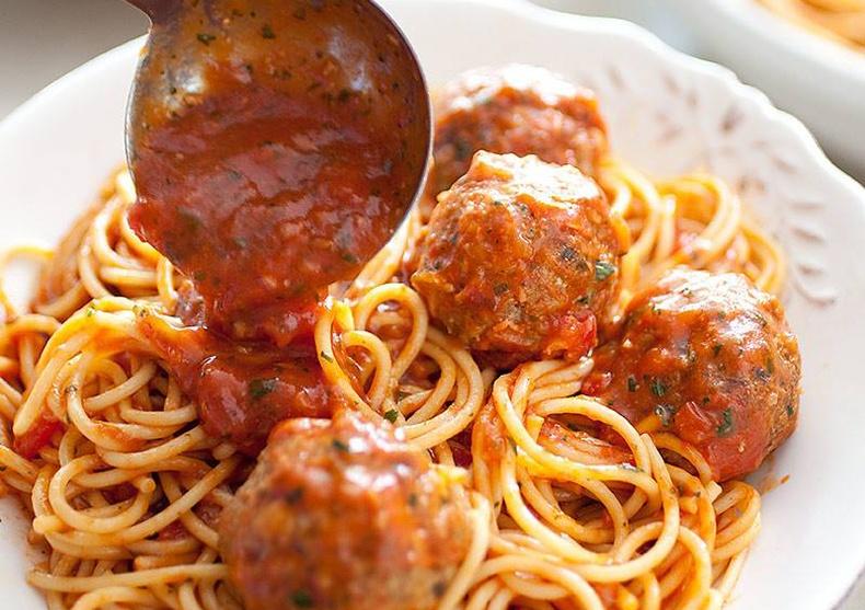 Бөөрөнхий махтай шпагетти хэрхэн хийх вэ?