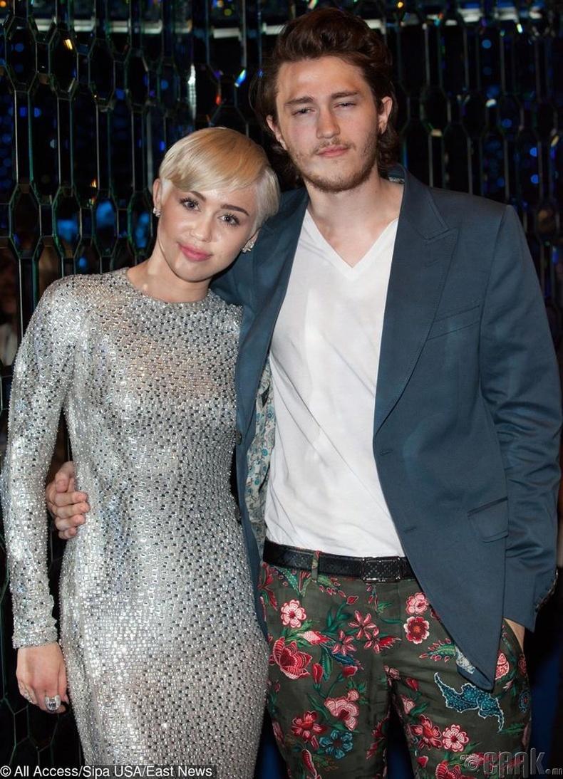 Майли болон Брайсон Сайрус (Miley Cyrus, Braison Cyrus)