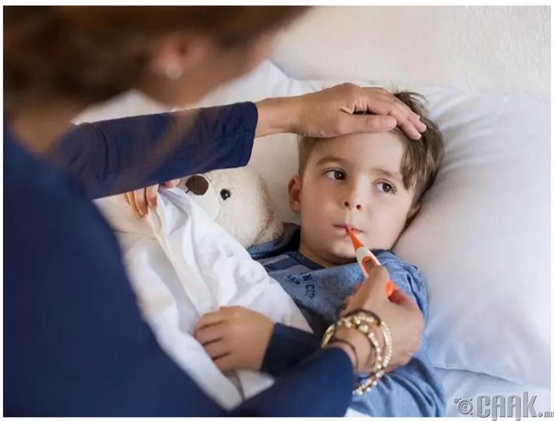 Хүүхдийн ямар зургийг фэйсбүүк, инстаграмд тавьж болохгүй вэ? Өвчтэй байгаа зураг