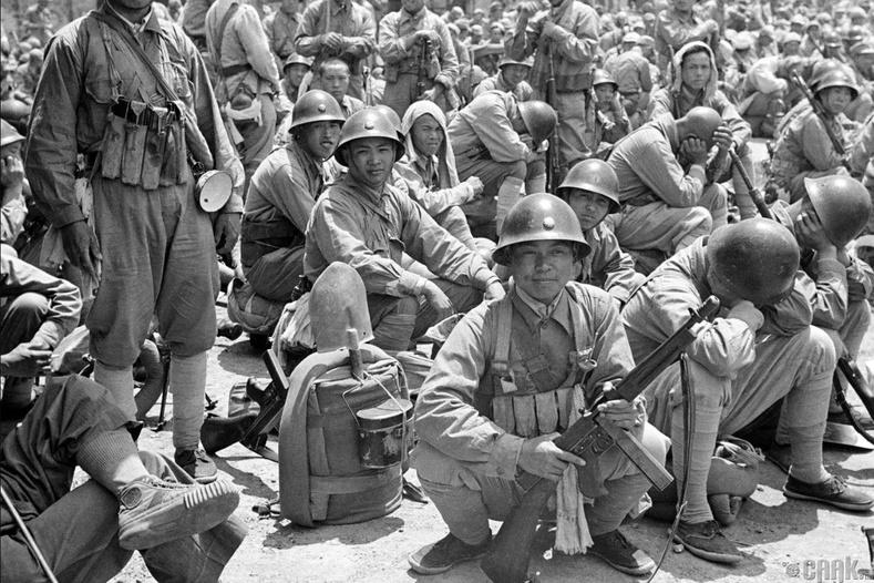 Коммунистуудын эсрэг дайнд орох гэж буй цэргүүд, 1949 оны 5 сар