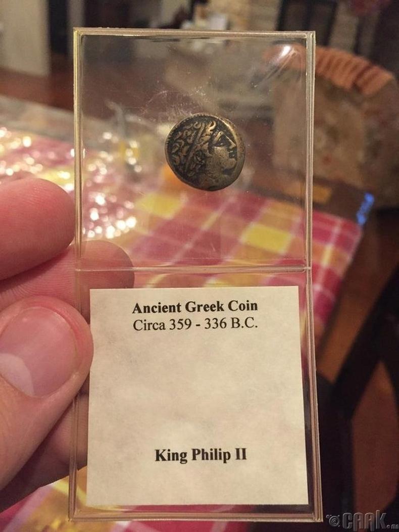 МЭӨ 359-336 оны хооронд хийгдсэн Грек зоос