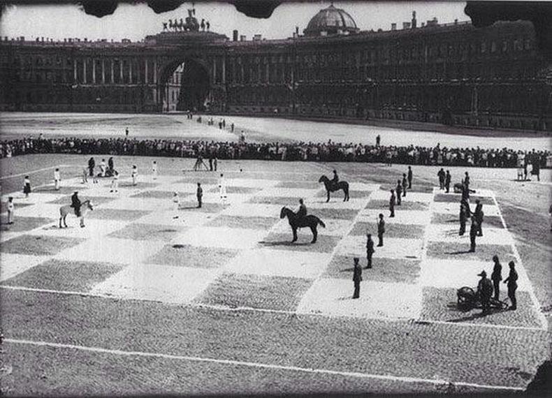 """1924 онд болсон """"амьд"""" шатрын тоглолт. 5 цаг үргэлжилсний эцэст тэнцээгээр өндөрлөжээ."""