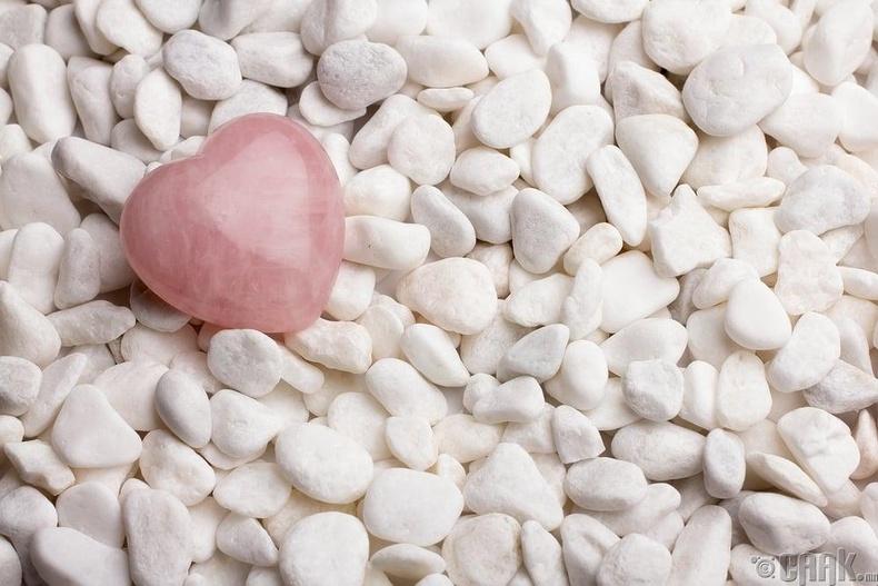 Сарнайн чулуу (Rose quartz)