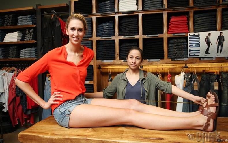 Лоурен Уиллиамс (Lauren Williams) - Хамгийн урт хөлтэй эмэгтэй, 114 см