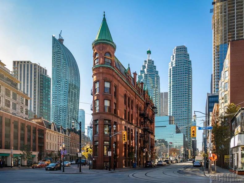 Бид бодохдоо: Канадын нийслэл Торонто