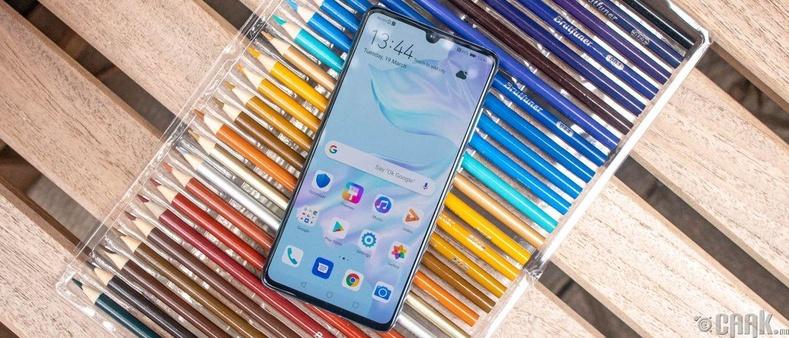 """""""Huawei P30"""""""