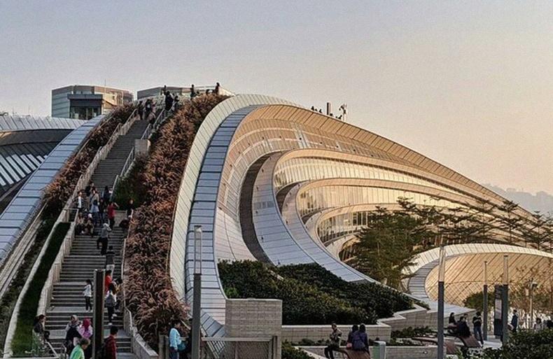Хонконгод баригдсан дэлхийн хамгийн гоёмсог галт тэрэгний буудал