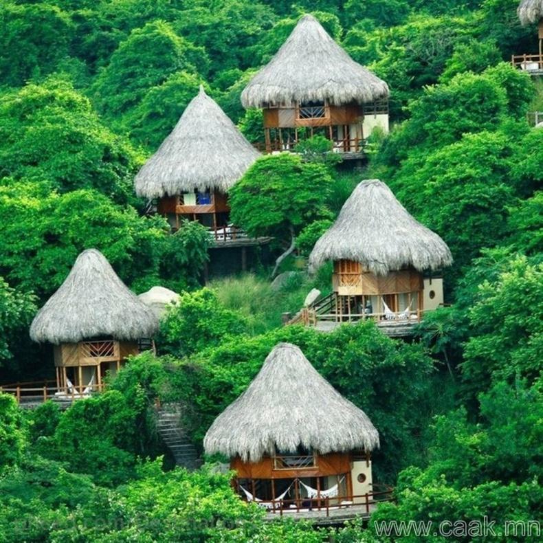 Колумби дахь бяцхан байшин.