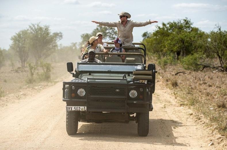 Африкт машинаар аялал хийж болохгүй