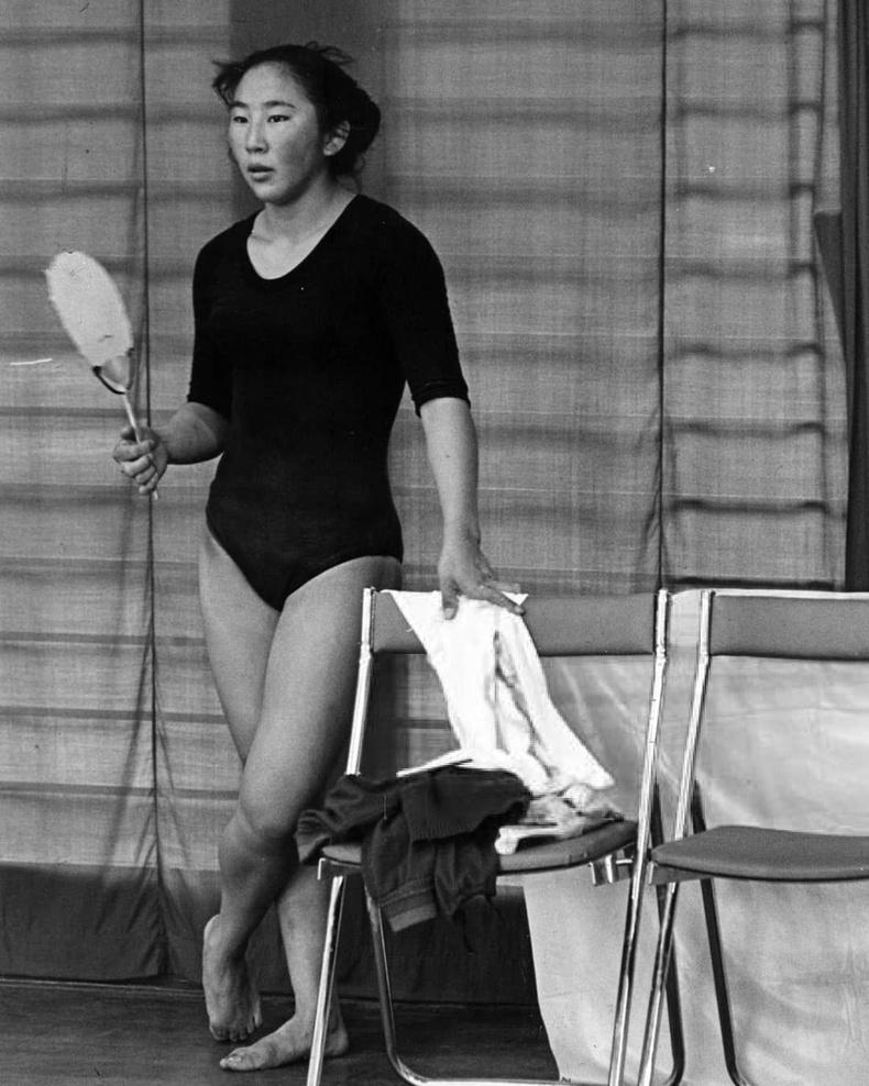17 насандаа 1964 оны Токиогийн олимпын наадамд гимнастикийн төрөлд оролцсон Я.Туяа
