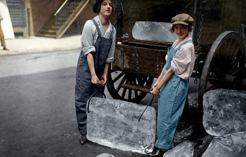 Мөс худалддаг бүсгүйчүүд - 1918 он