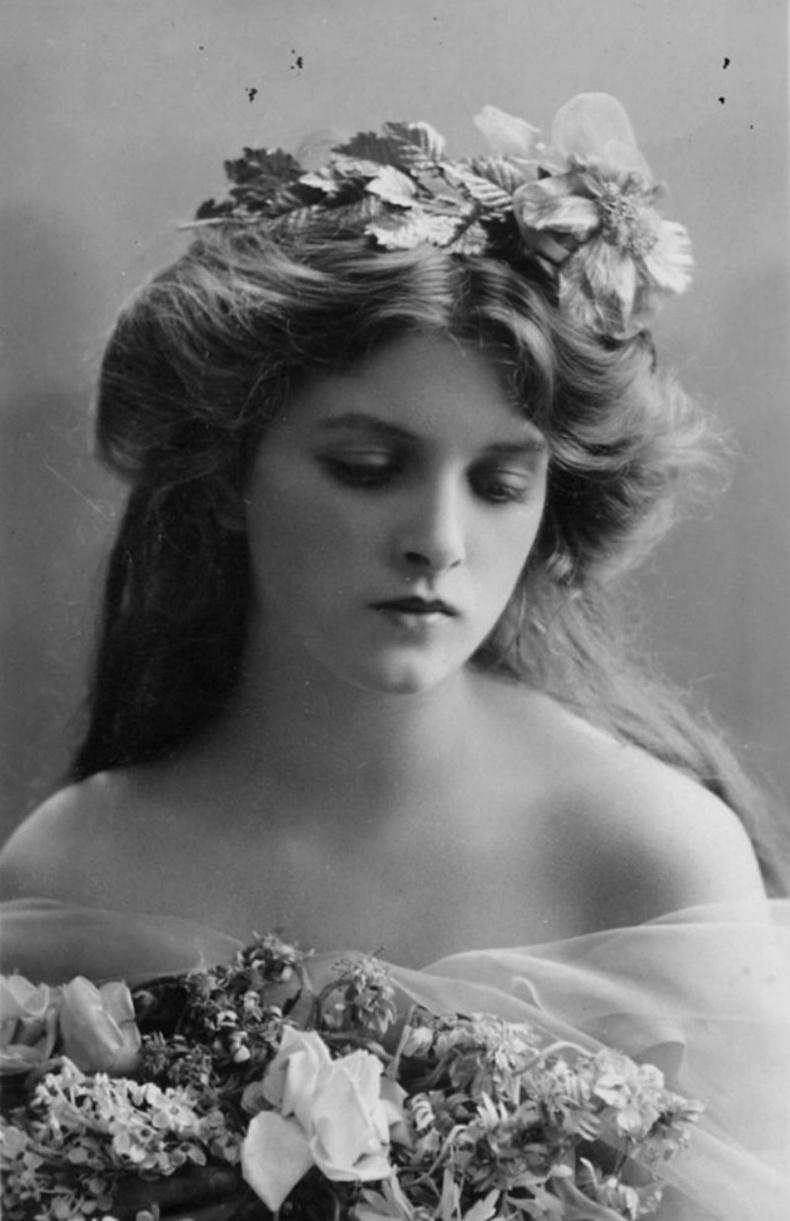 Глэдис Констанс Күүпер (Gladys Constance Cooper)