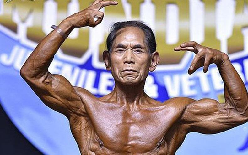 82 настай япон өвөөгийн бахдам түүх