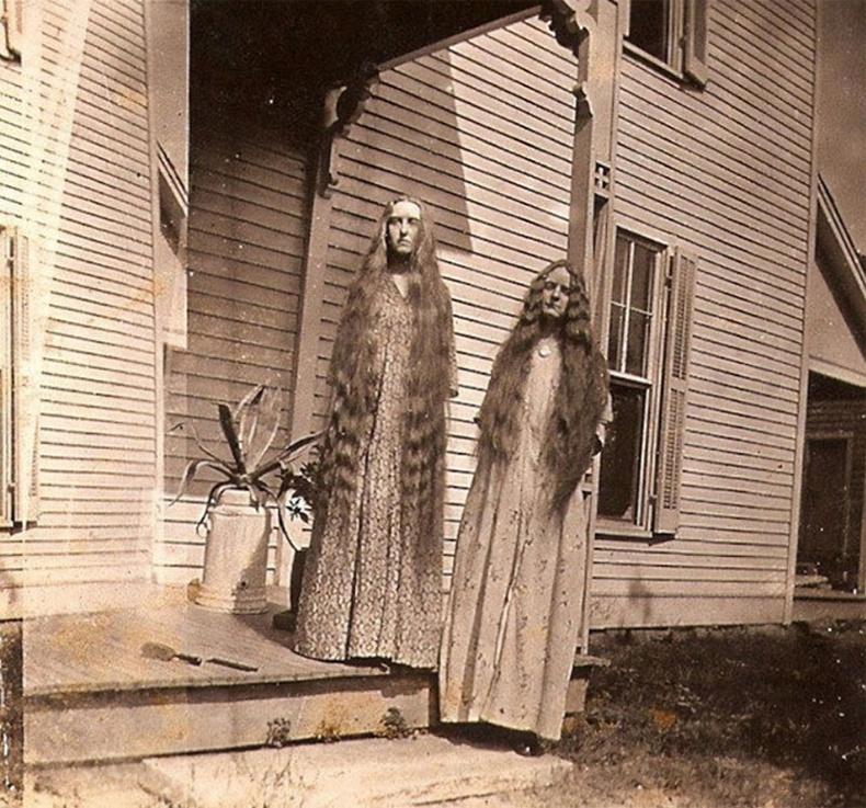 Урт үстэй эгч дүүс. 20-р зууны эхэн үе