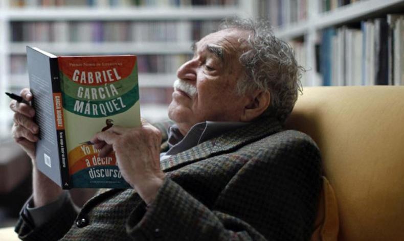 Өнөө үеийн алдартай зохиолчид бүх цаг үеийн шилдэг 10 номыг тодруулжээ