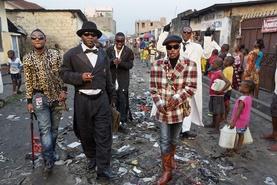 """Африкийн ядуусын дунд хамгийн нэр хүндтэй """"Саперууд"""" гэж хэн бэ?"""