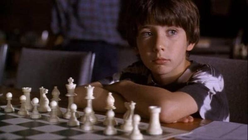 "Макс Померанц - ""Searching For Bobby Fischer"" киноны Жош Вейцкиний дүрд  (1993)"