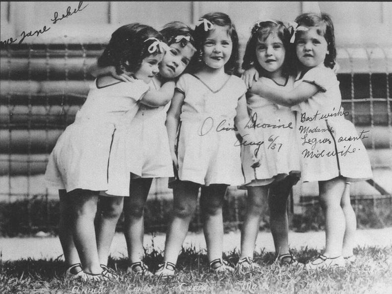 Таван ихэр охины эмгэнэлт түүх