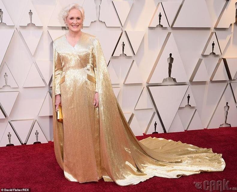 Шилдэг гол дүрийн эмэгтэй жүжигчинд нэр дэвшсэн жүжигчин Гленн Клоуз (Glenn Close)