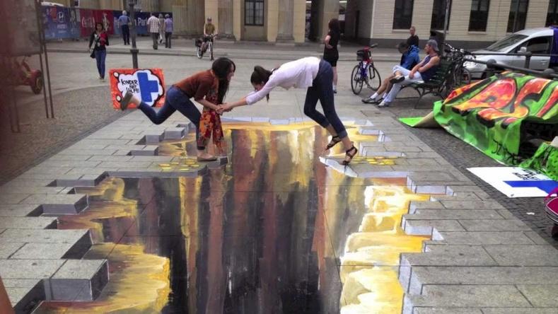 Гудамжинд амилсан гайхалтай бүтээлүүд