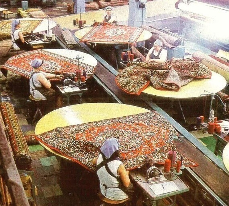 Хивс үйлдвэрлэж байгаа нь, 1970-аад он