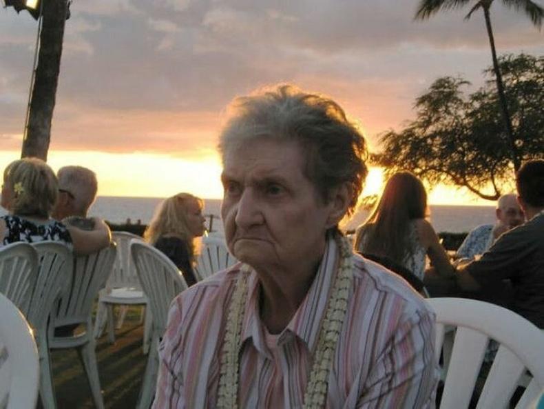 """""""Эмээгээ анх удаа Хавайд аваачсан нь."""""""