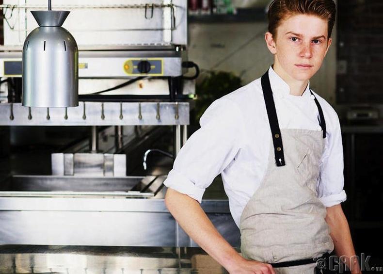 Флаян ЭмСи Гэйри (Flynn McGarry) - Ахлах тогооч