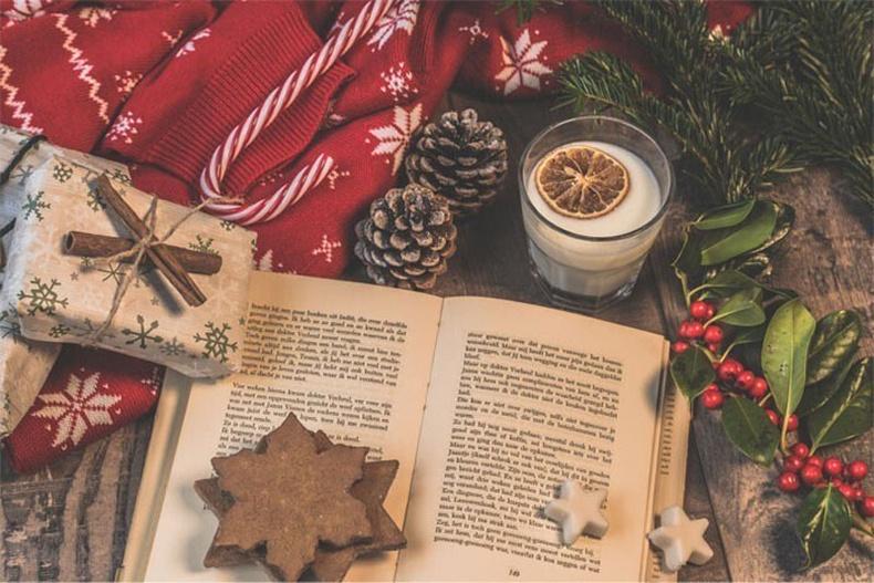 Номыг Христийн Мэндэлсний Баярын уламжлалт бэлэг гэж үздэг