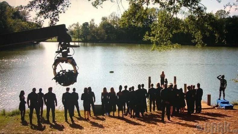 """""""Avengers"""" кинон дээрх Тони Старкыг оршуулах ёслолын зураг авалтыг хийж байгаа нь"""