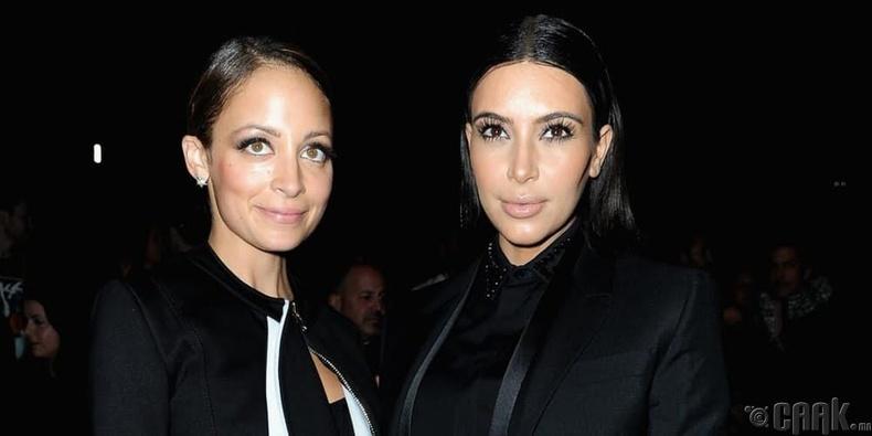Ким Кардашиан (Kim Kardashian) болон Николь Ричи (Nicole Richie)