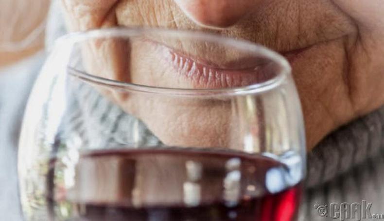Алкохол уух нь дасгал хийснээс илүү нас уртасгана