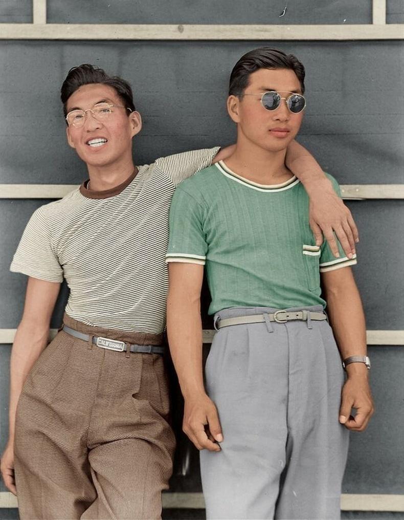 Япон гаралтай америк оюутнууд, Сакраменто, 1942 он.