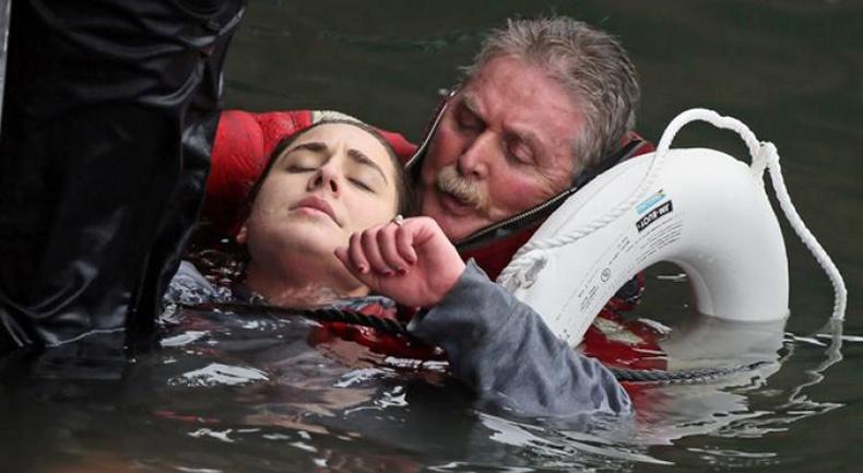 Усанд живж буй хүнд хэрхэн анхны тусламж үзүүлэх вэ?