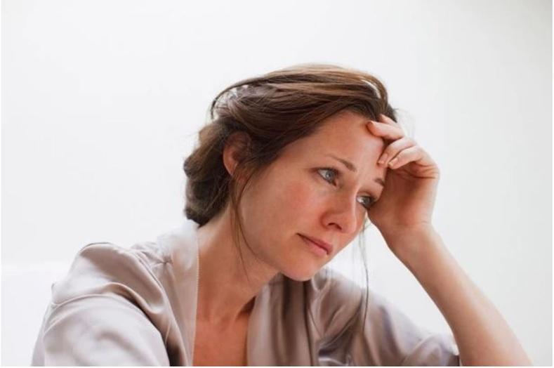 Эмэгтэйчүүд мэдрэлийн эмгэг, удаан хугацааны стрессээс болж амархан зөнөдөг