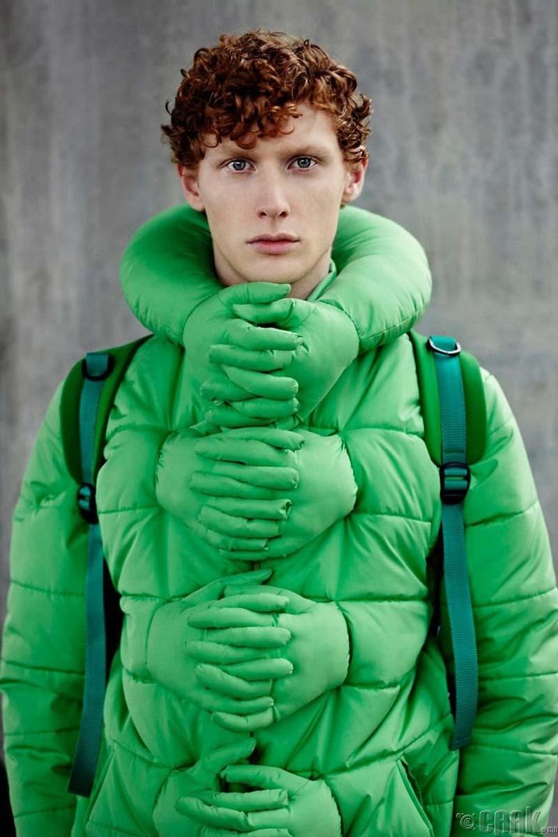 """""""Намайг тэврээч"""" куртка"""