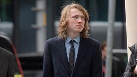 Ичимхий англи хүү сургуулийнхаа охинтой дотносохыг оролдоод 10 жилийн ял авахаар болжээ