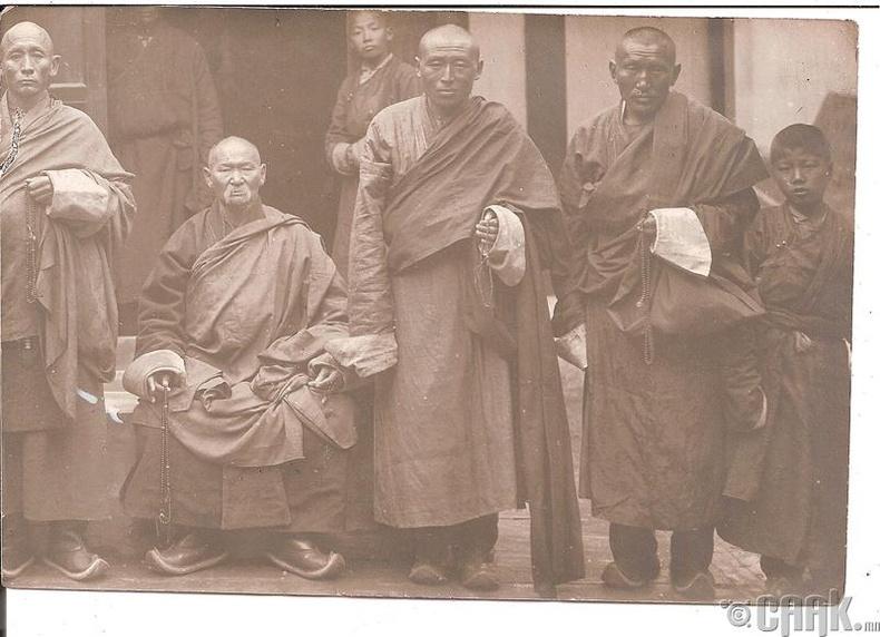 Хүрээ лам нар  - 1912 он