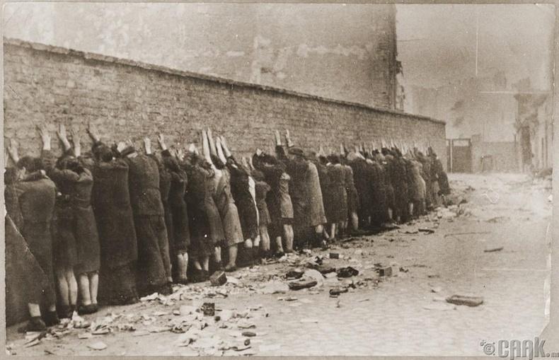 Еврейчүүдийг устгасан, хөөсөн, албадан гаргасан тохиолдлууд