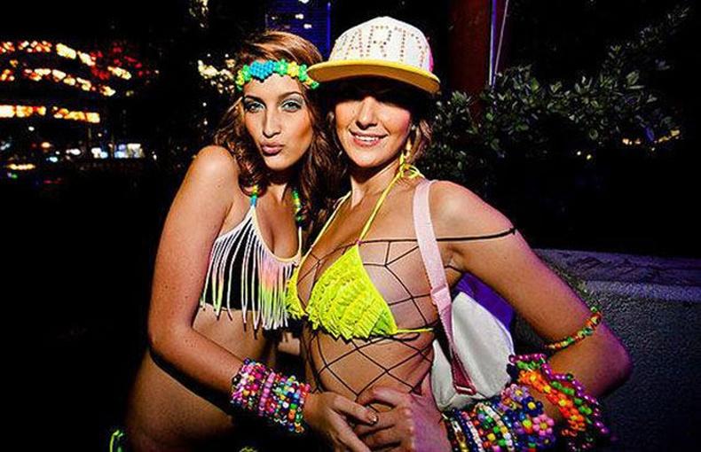 """Халуухан охид, царайлаг залуусыг цуглуулсан """"Ultra Music Festival 2014"""""""