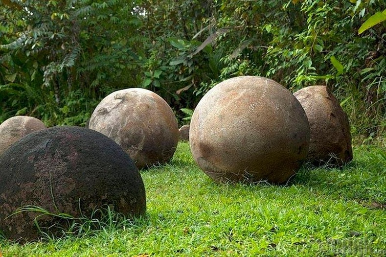 Коста-Рикагийн чулуун бөмбөлөг