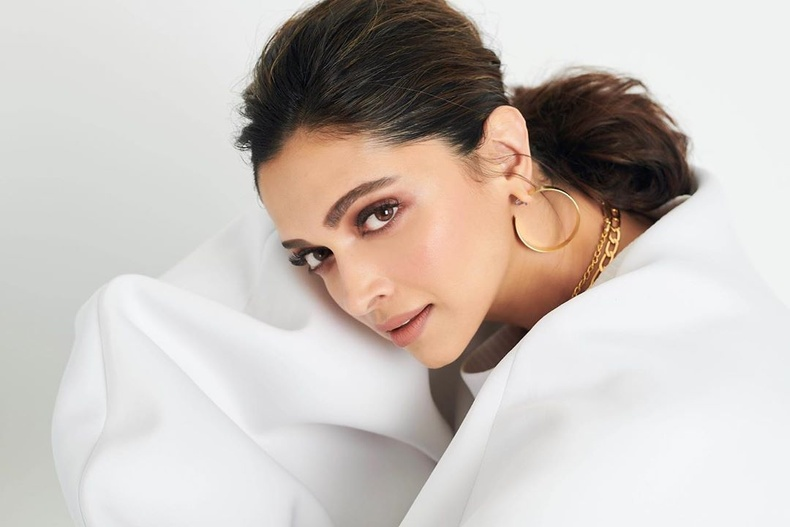 Дипика Падуконе (Deepika Padukone) - Энэтхэгийн жүжигчин, модель