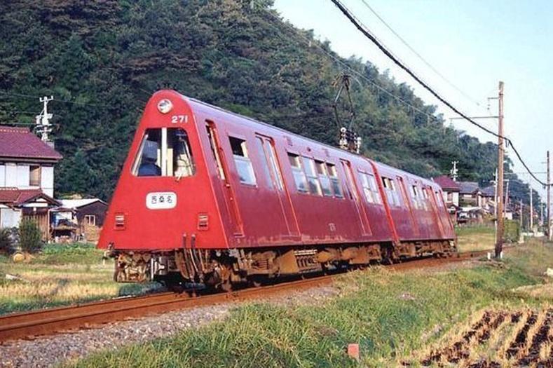 Хятад дахь гурвалжин хэлбэртэй галт тэрэг