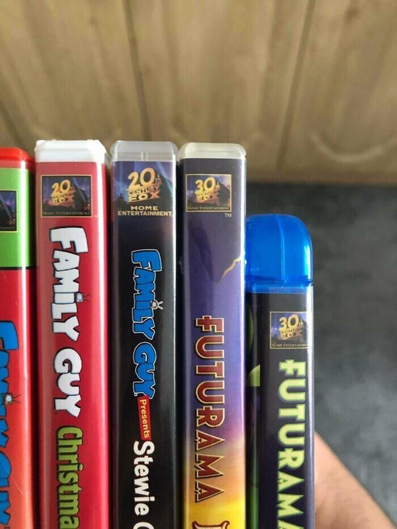 """""""Futurama""""-ын DVD дээр """"30-р зуун Фокс"""" гэсэн лого байгааг олж харжээ"""