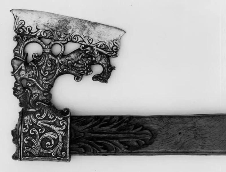 Гоёмсог сийлбэртэй сүх (Италийн Сицили, 16-р зуун)